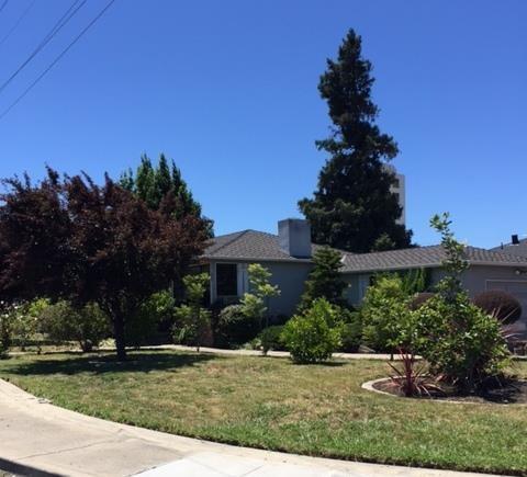 843 6th Ave Redwood City, CA 94063
