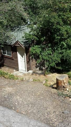 875 Virginia Ct, Lake Arrowhead, CA 92352