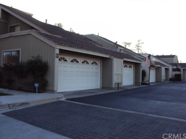 8 Holly Hill Ln, Laguna Hills, CA
