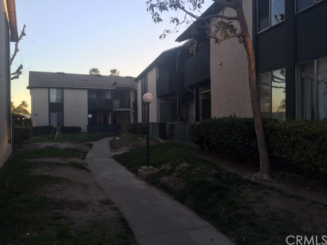 23276 Orange Ave #APT 4, Lake Forest, CA