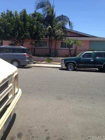 17392 Queens Ln, Huntington Beach, CA 92647