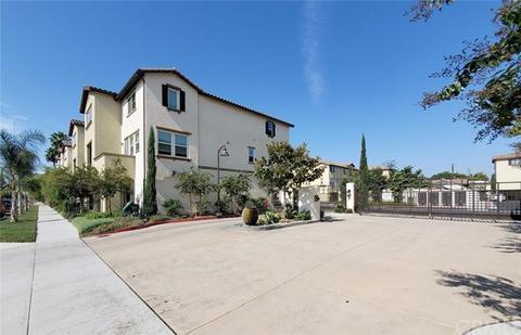 1561 W Walnut St #55, Santa Ana, CA 92703
