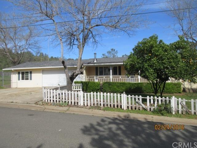 30 Gleness Dr, Oroville, CA