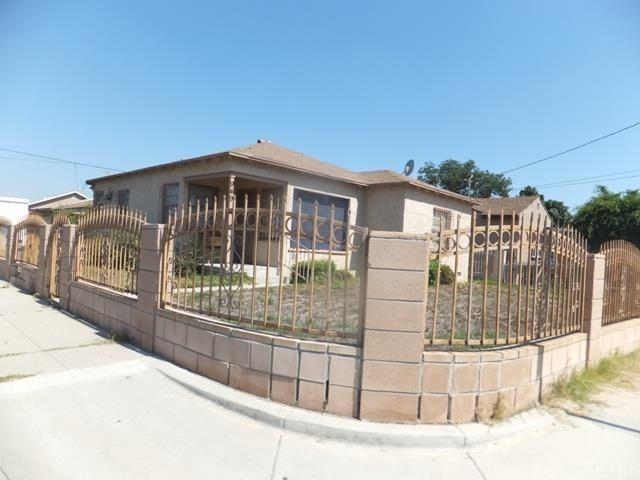 949 W Arbutus St, Compton, CA 90220