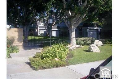 125 W South St #APT 213, Anaheim CA 92805