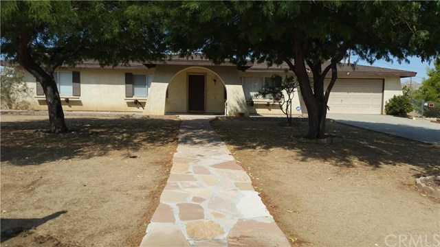7748 Palm Ave, Yucca Valley, CA 92284