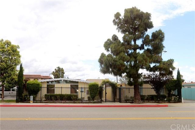 1826 Placentia Ave, Costa Mesa, CA 92627