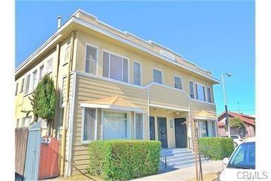635 E 10th St, Long Beach, CA 90813