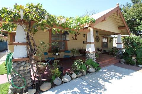 334 W Halesworth St, Santa Ana, CA 92701