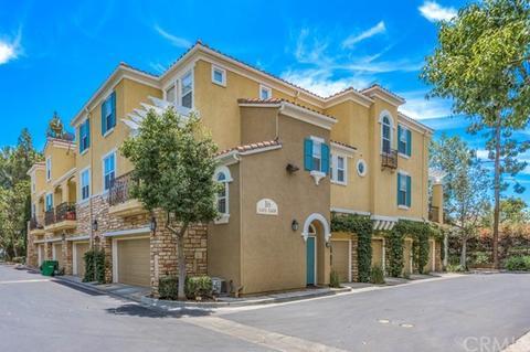 1552d57bf0391 1605 Terra Bella, Irvine, CA 92602   21 Photos   MLS #PW19158012 ...
