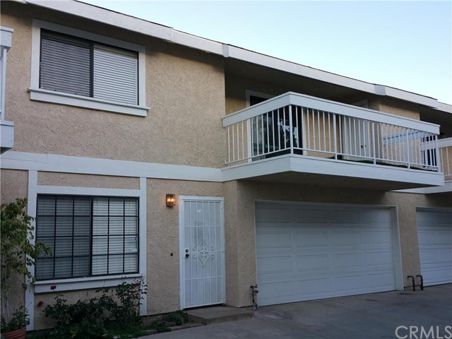11634 205th St, Lakewood, CA