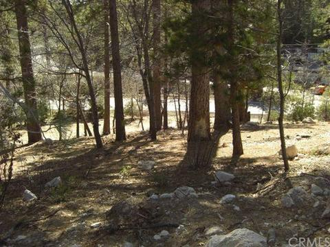 28415 N Bay Rd, Lake Arrowhead, CA 92352