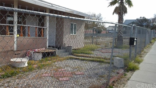 115 S 2nd St, Barstow, CA
