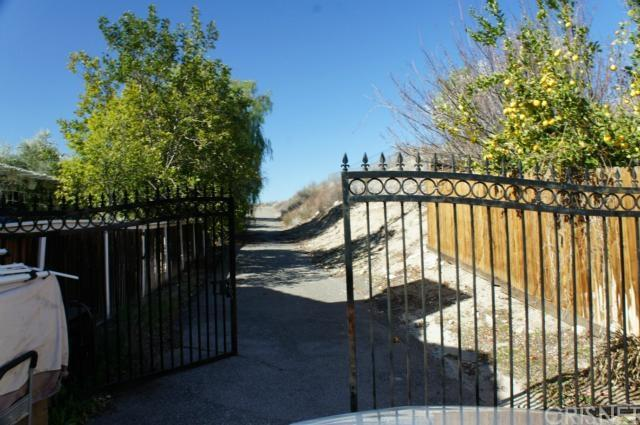 28063 Magic Mountain Ln, Canyon Country, CA 91387