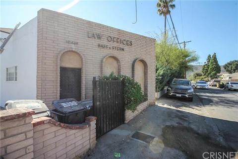 10446 Scoville Ave, Sunland, CA 91040
