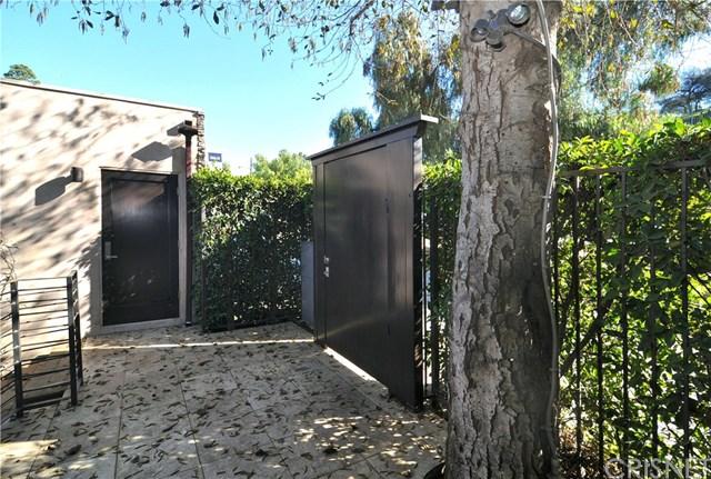 2663 Desmond Estates Road, Los Angeles, CA 90046