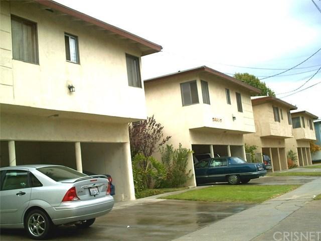 20609 Hartland St, Winnetka, CA 91306