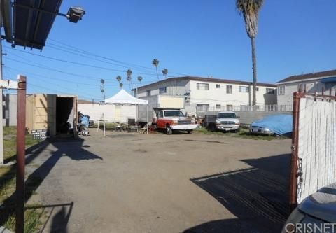 9015 S Vermont Ave, Los Angeles, CA 90044
