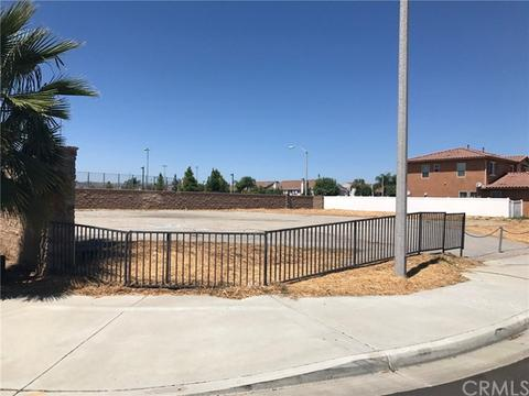 184 Daylily Dr, Perris, CA 92571