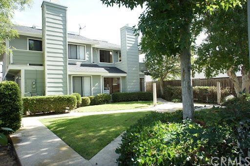334 Ogle St #APT 3, Costa Mesa, CA