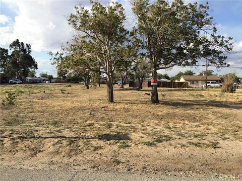 16446 Yucca St, Hesperia, CA 92345