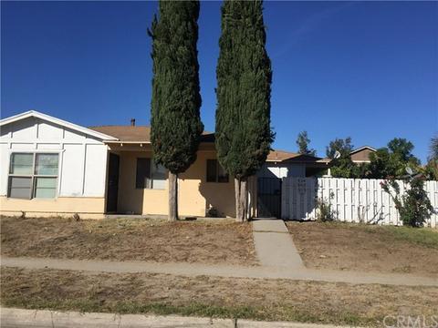 570 W Shamrock St, Rialto, CA 92376