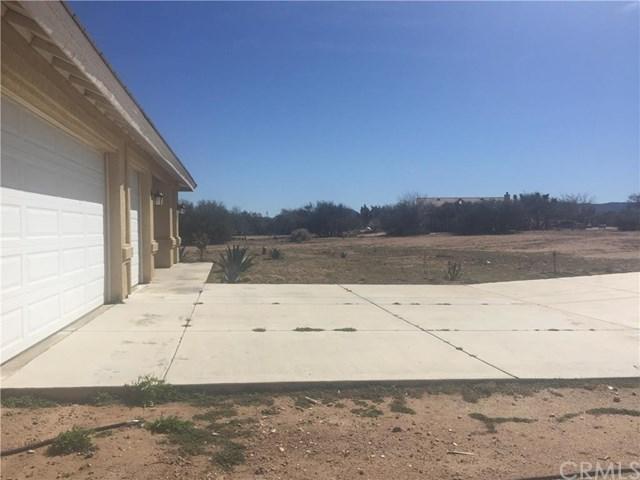 11155 Prairie Trail, Oak Hills, CA 92344