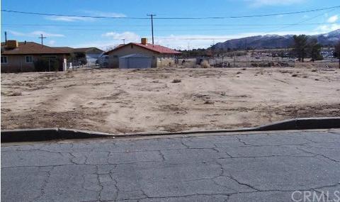 6823 Warren Vista Ave, Yucca Valley, CA 92284