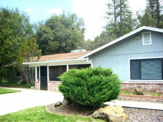 39353 Giant Oak Rd, Oakhurst, CA