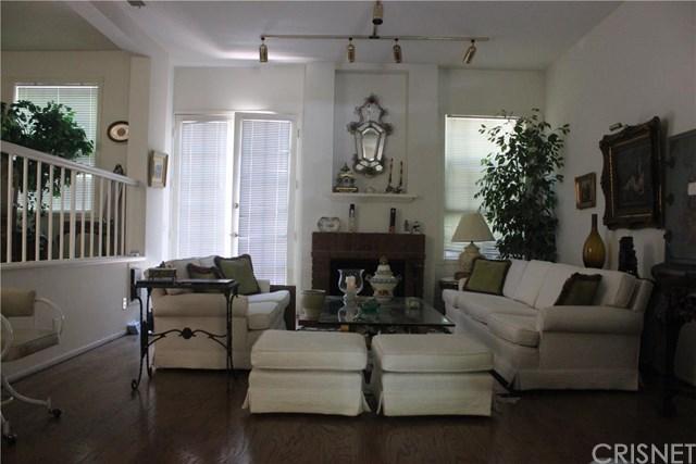 20950 Oxnard St #APT 29, Woodland Hills, CA