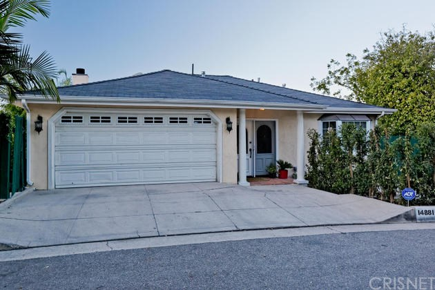 14881 Round Valley Dr, Sherman Oaks, CA