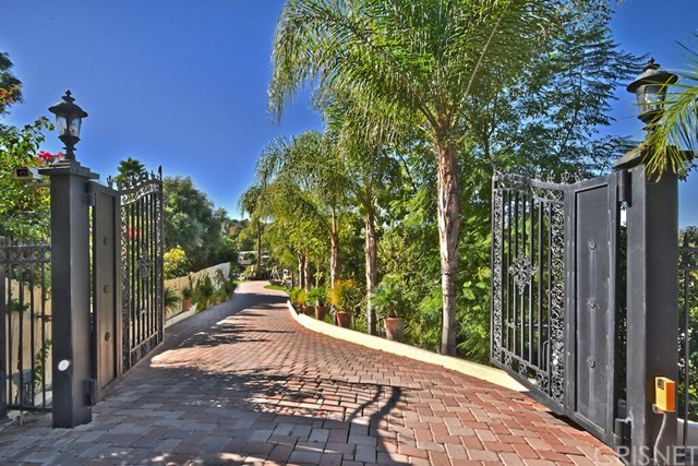 5215 Bothwell Rd, Tarzana, CA
