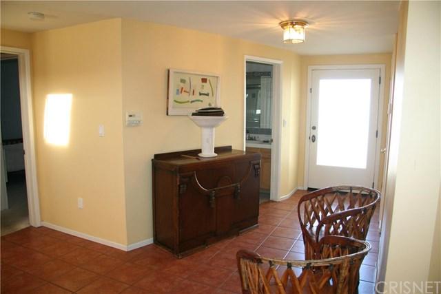 22450 Martha St, Woodland Hills, CA