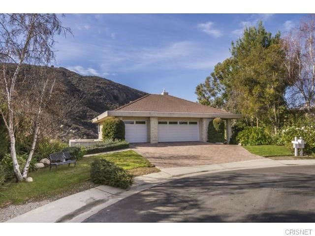 11 Hitching Post Ln, West Hills, CA