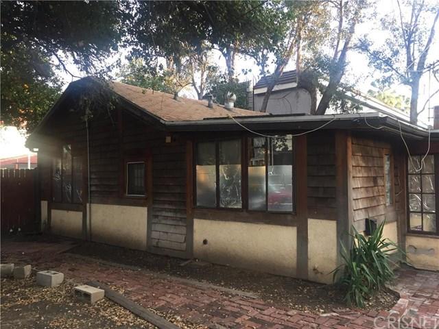9047 Burnet Ave, North Hills, CA