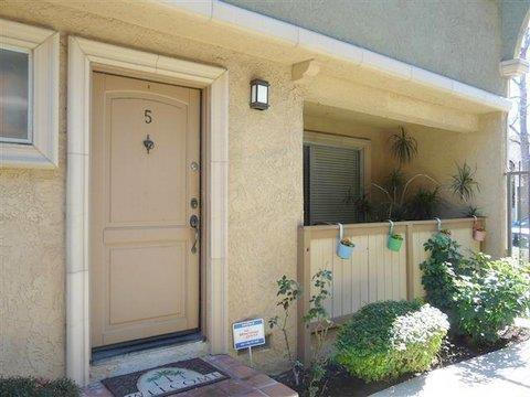 20225 Cohasset St #APT 5, Winnetka, CA