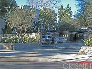 18645 Hatteras St #APT 197, Tarzana, CA