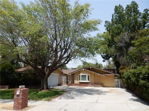 22711 Mulholland Dr, Woodland Hills, CA 91364