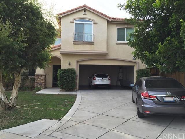 8239 Chamberlain Ln, Reseda, CA 91335