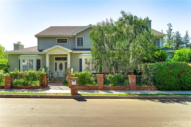 3925 Woodfield Dr, Sherman Oaks, CA 91403