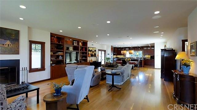 3453 Grand View Blvd, Los Angeles, CA 90066