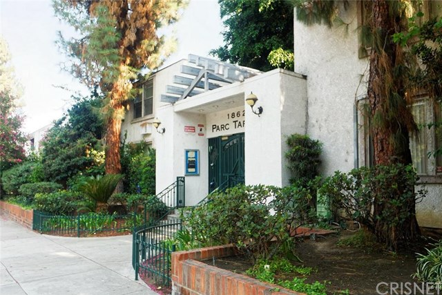 18620 Hatteras Street #113, Tarzana, CA 91356