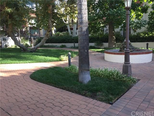22255 Erwin St, Woodland Hills, CA 91367