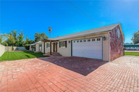 5611 Woodlake Ave, Woodland Hills, CA 91367