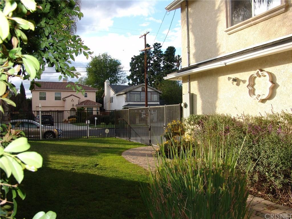 7246 Newcastle Avenue, Reseda, CA 91335