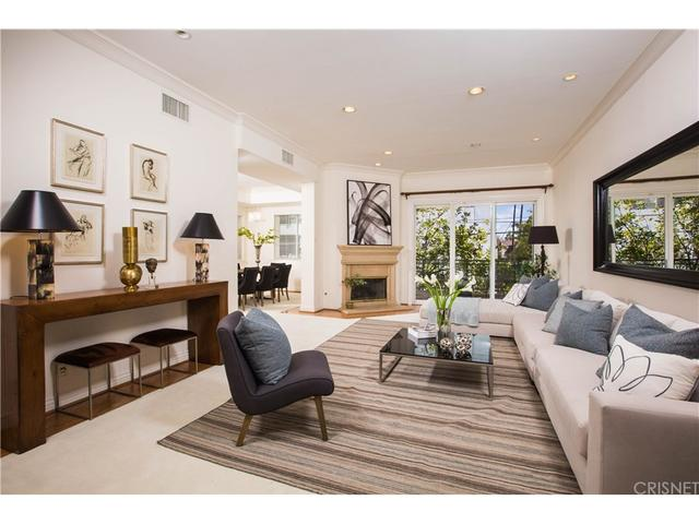 132 S Maple Dr #204, Beverly Hills, CA 90212