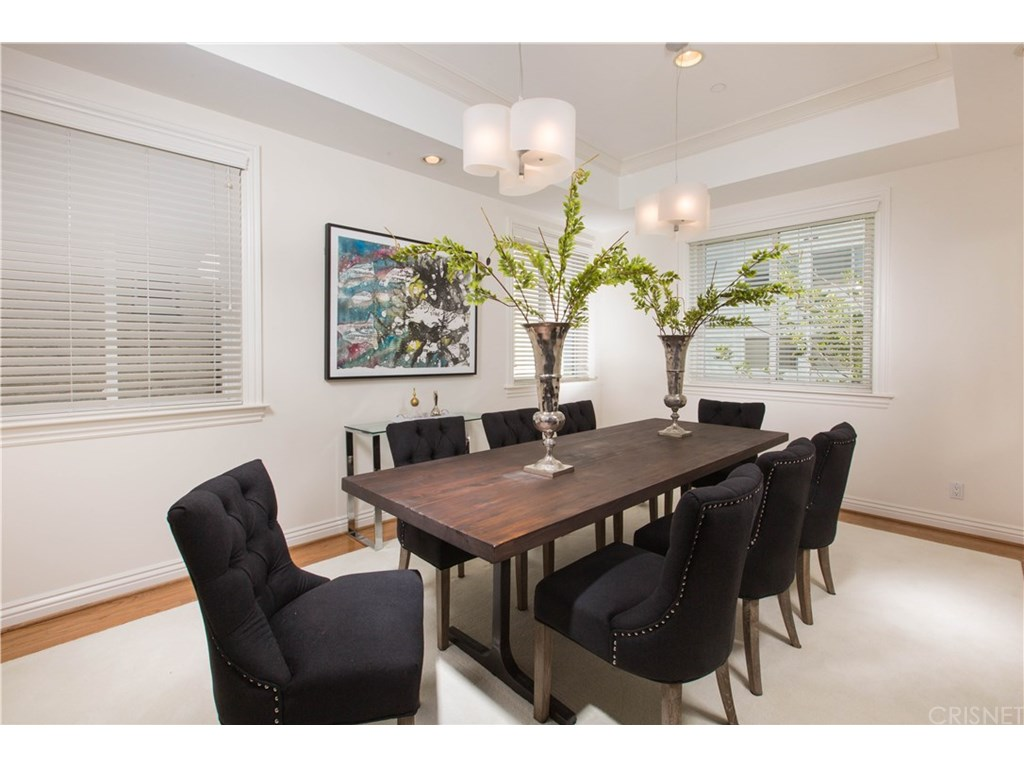 132 S Maple Drive #204, Beverly Hills, CA 90212