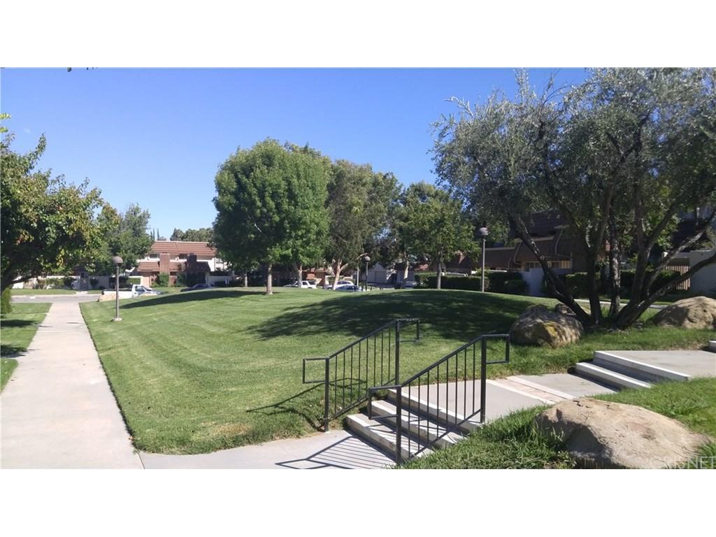 10155 Larwin Avenue #1, Chatsworth, CA 91311