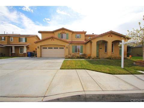 6136 Starview Dr, Lancaster, CA 93536
