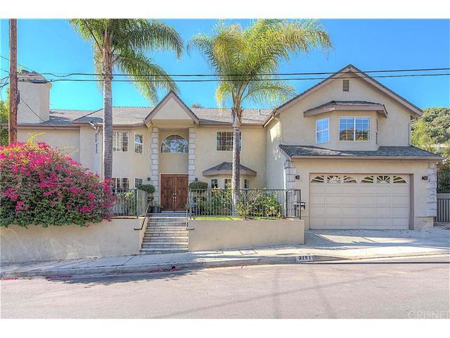3151 N Beachwood Dr, Los Angeles, CA 90068